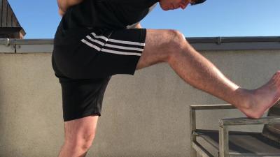 Hamstrings stretch